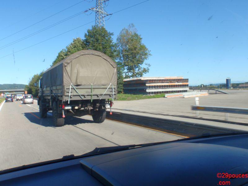 Armée suisse sur la route